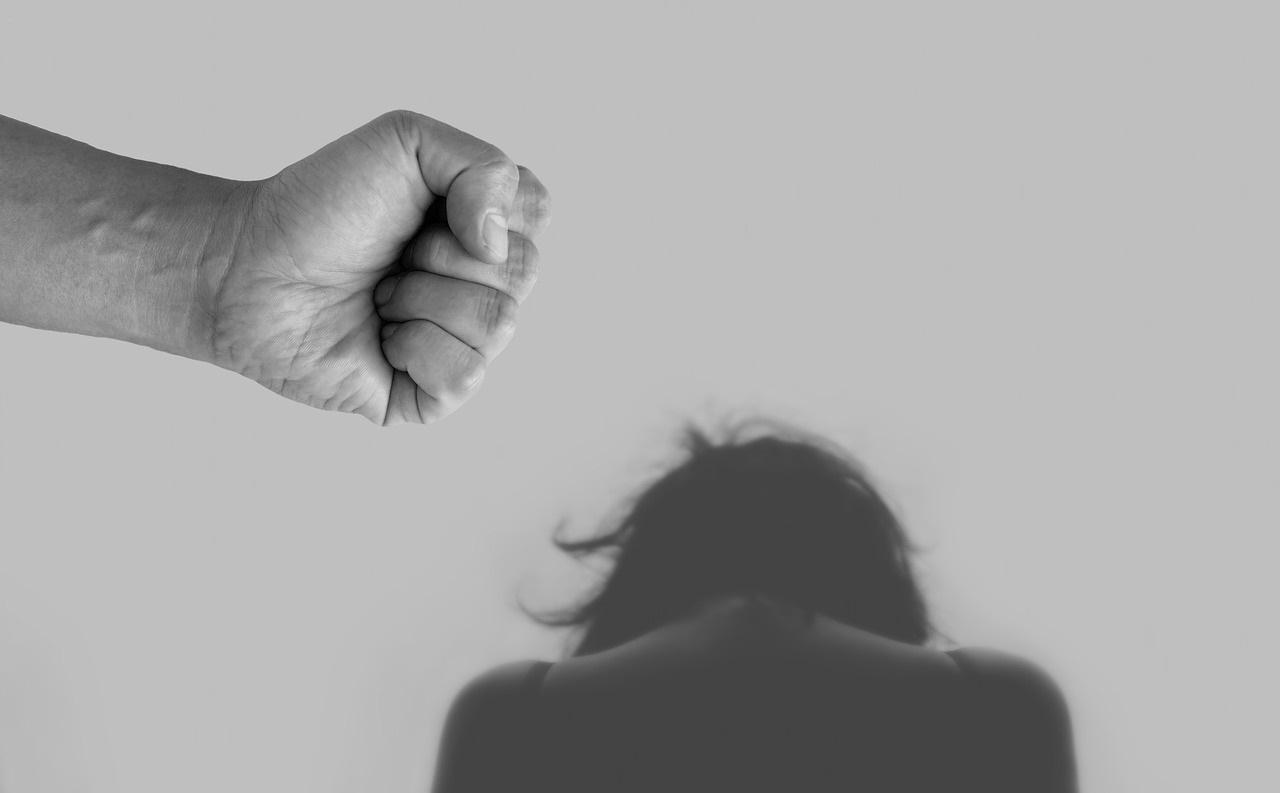 パワハラに悩む全ての介護職へ!4つの対処法を介護経営者が解説の画像